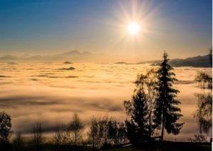 Bukti Bahwa Bumi Bulat Melalui Sinar Matahari yang Mengenai Bagian yang Tinggi Terlebih Dahulu